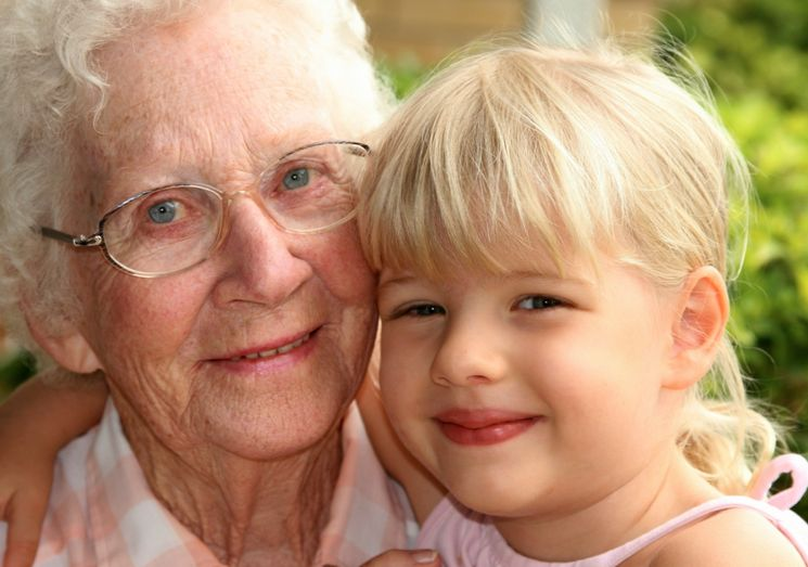 Могут ли уйти в отпуск по уходу за ребенком отец, бабушка или другой родственник