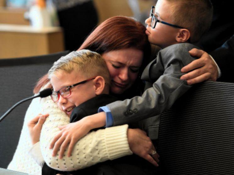 Последствия отмены усыновления ребенка